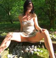 Ich ohne Höschen im Wald...